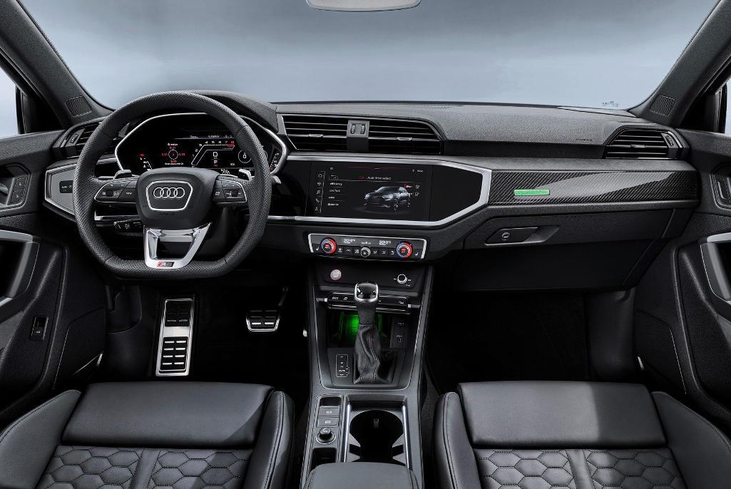 салон Audi RS Q3 Sportback 2020 фото