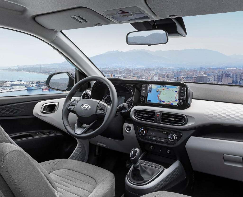 салон Hyundai i10 2020 фото
