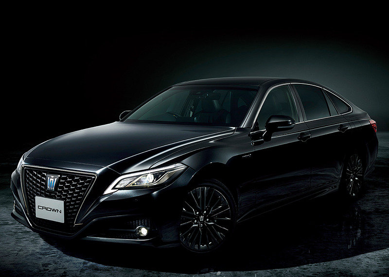 фото Toyota Crown Sport Style 2020 года