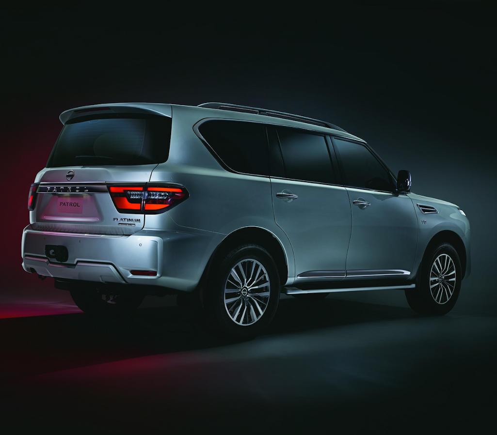 задняя часть Nissan Patrol 2020