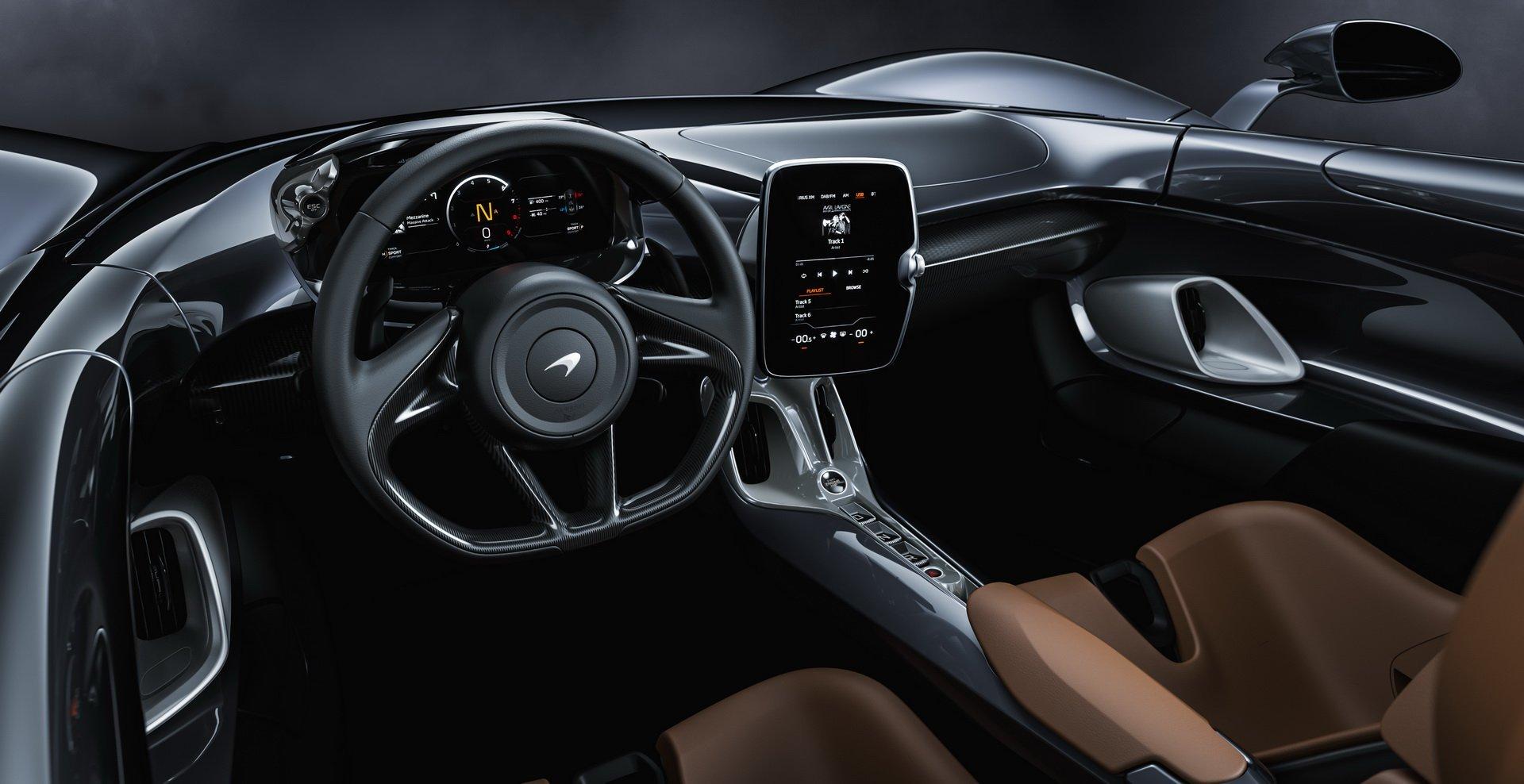 салон McLaren Elva 2020 фото