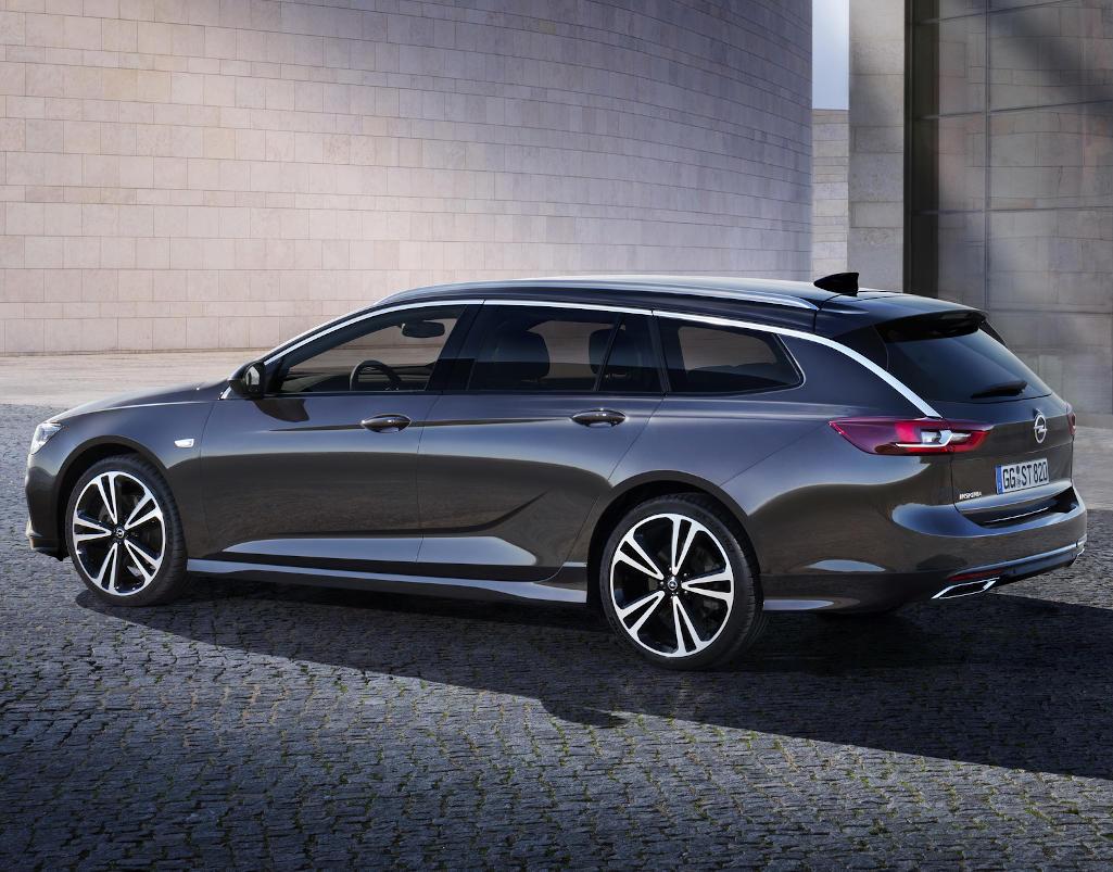 новый универсал Opel Insignia 2020 сбоку