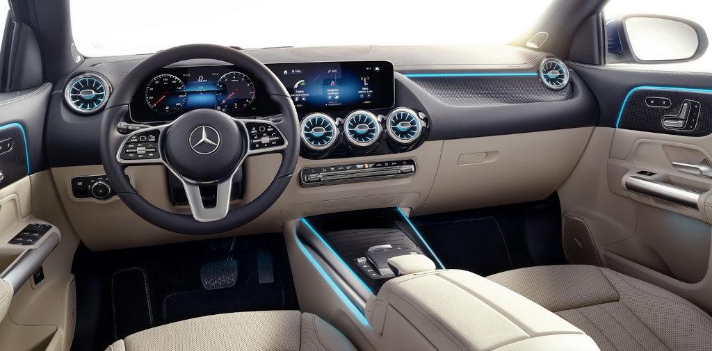 салон нового Mercedes GLA 2020 года