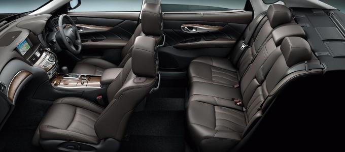 салон Nissan Fuga (Infiniti Q70) 2020