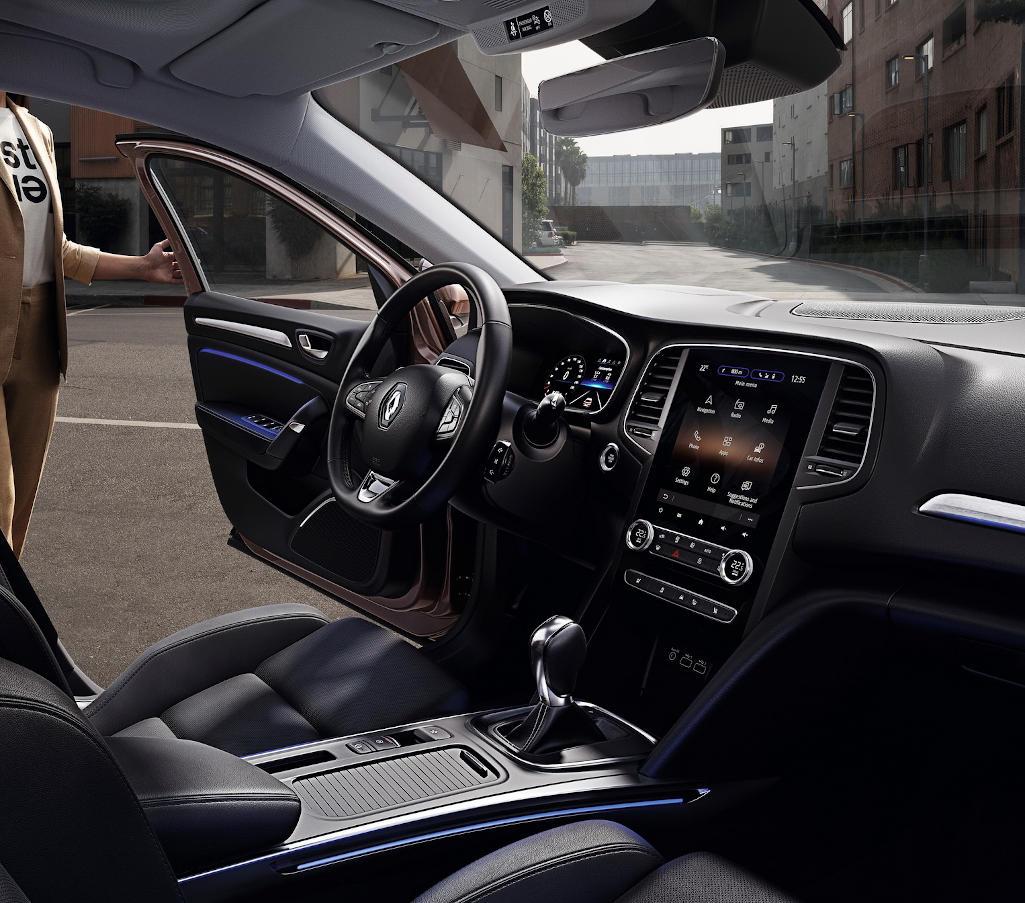 интерьер Renault Megane 2020 года