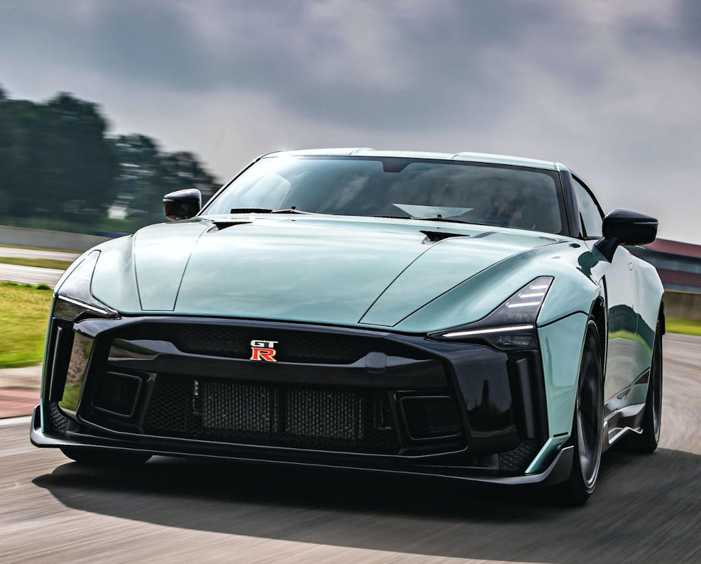 бампер, решетка Nissan GT-R50 Italdesign 2021