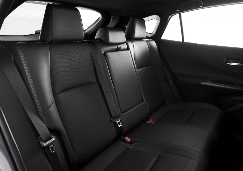 интерьер Toyota Venza 2021 года