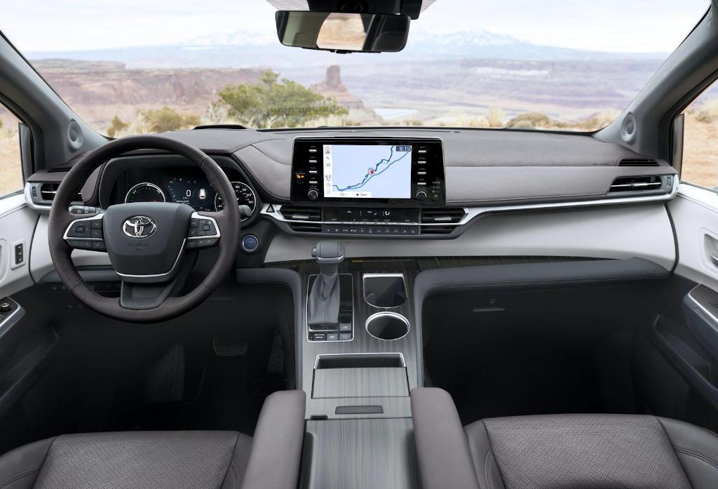 салон Toyota Sienna 2021 фото