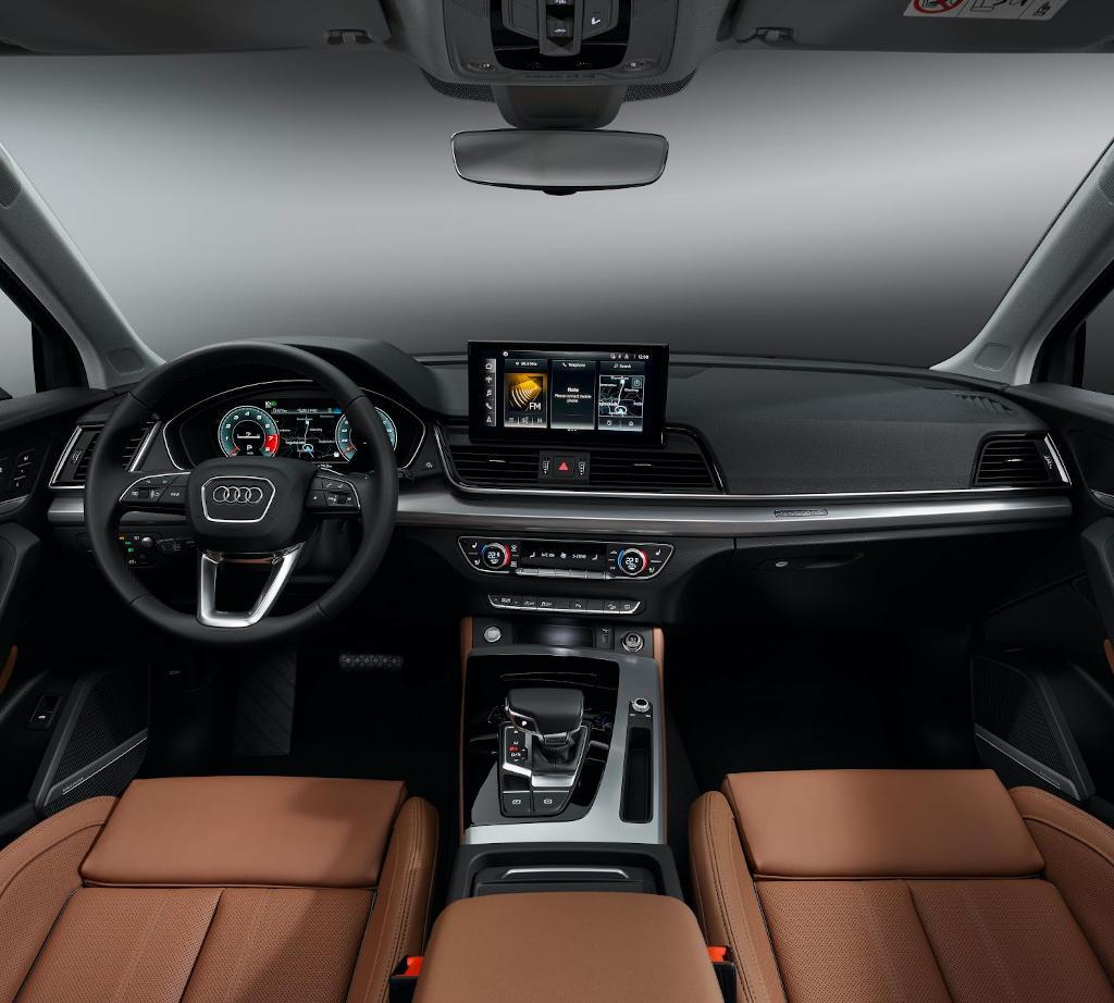 салон Audi Q5 2021 фото