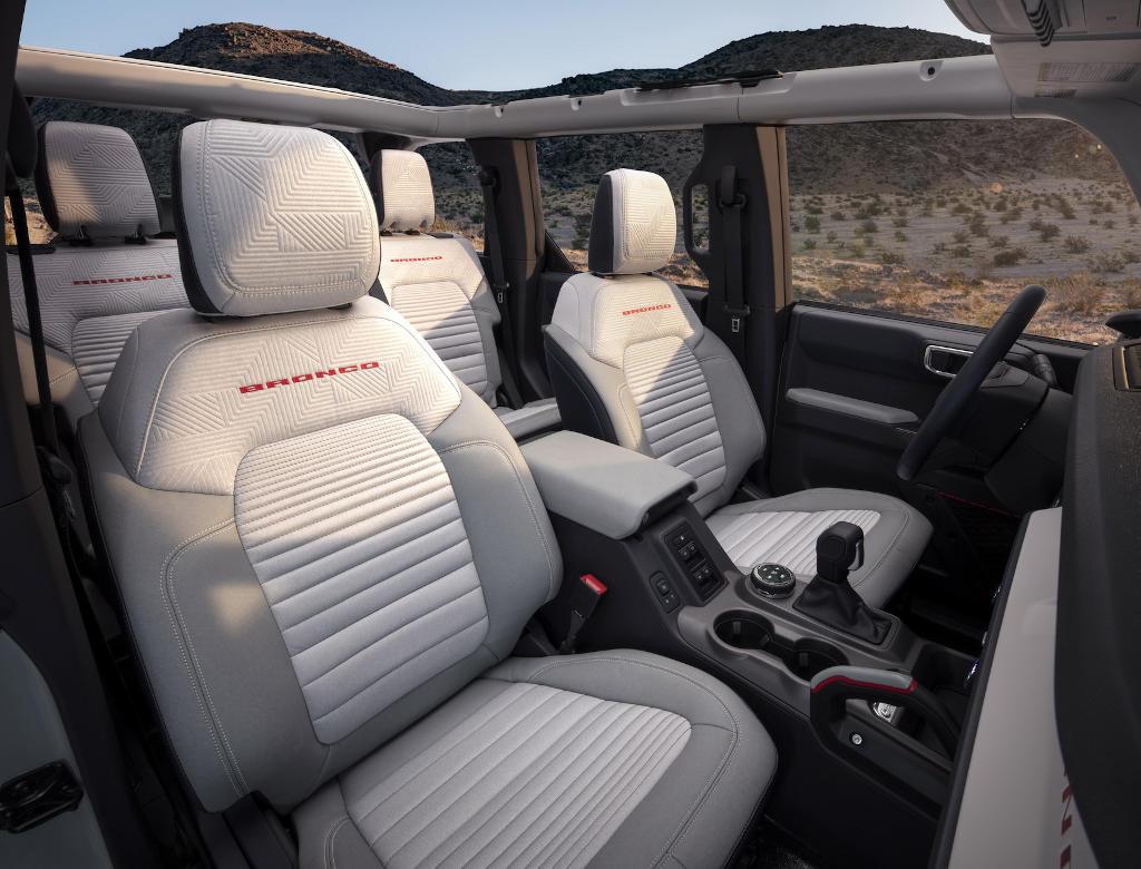 интерьер Ford Bronco 2021