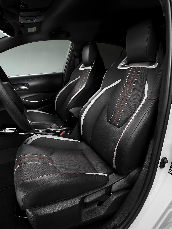 интерьер Toyota Corolla GR Sport 2021