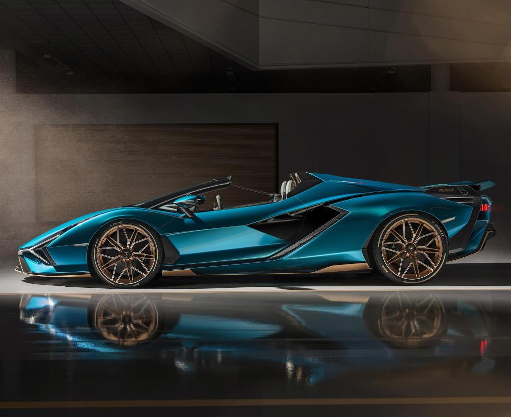 Lamborghini Sian 2021 сбоку
