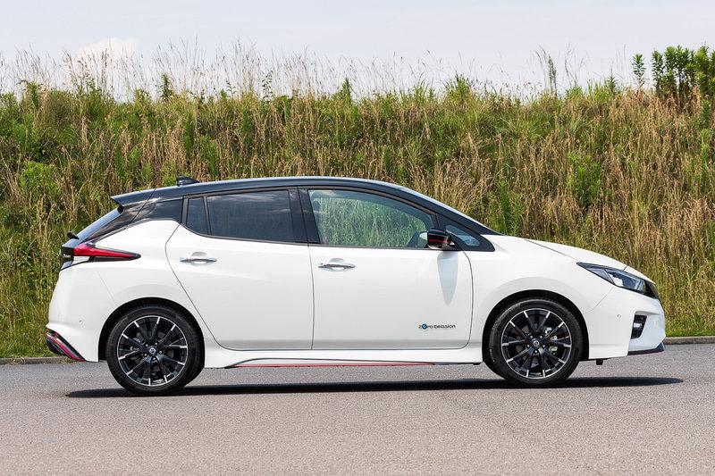 Nissan Leaf Nismo 2021 сбоку