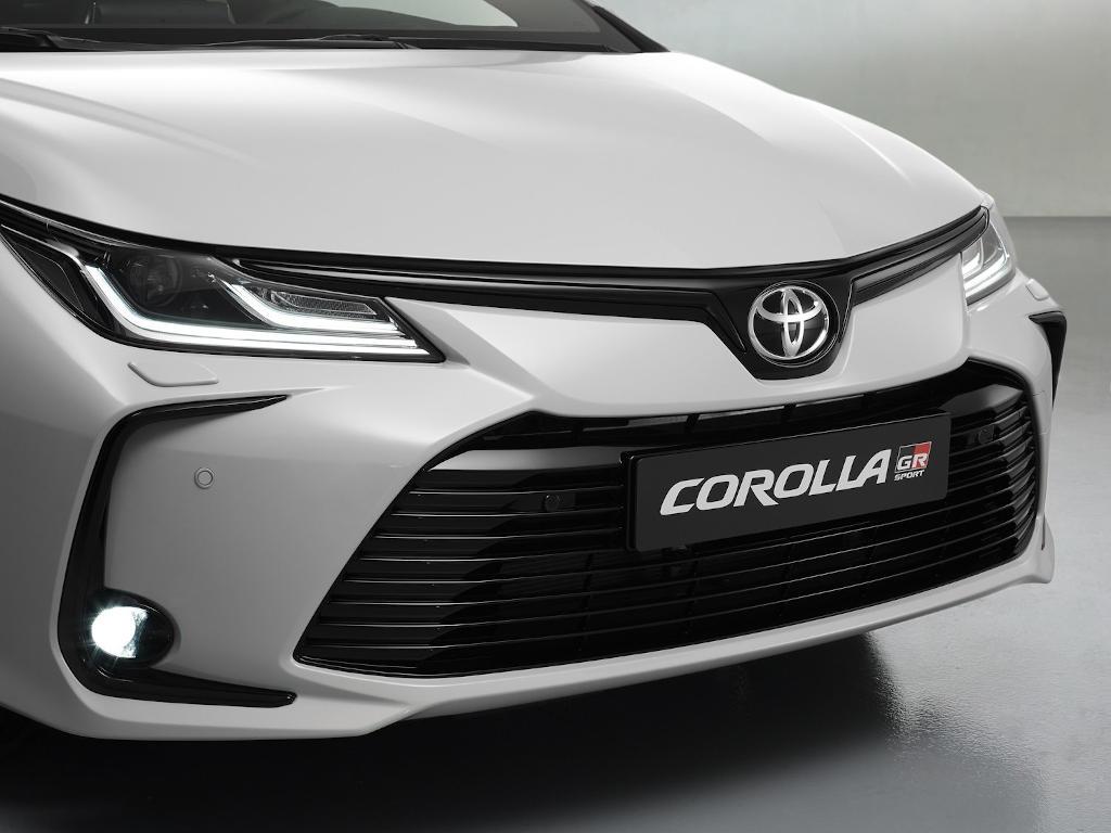 решетка, бампер, фары Toyota Corolla GR Sport 2021