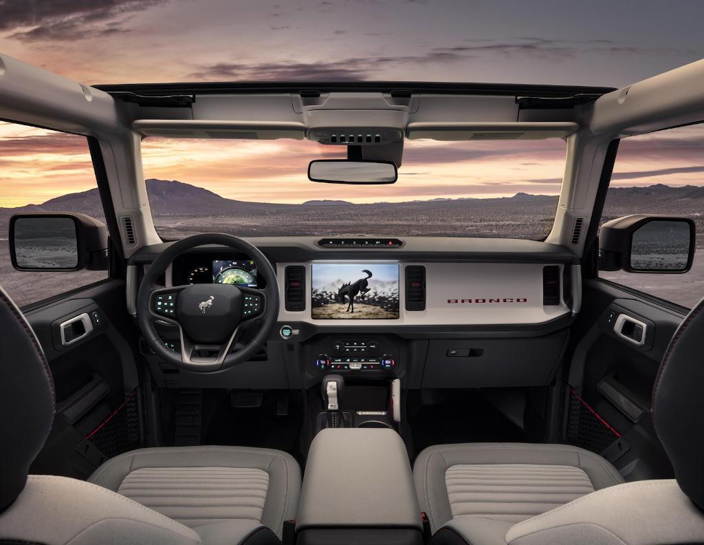 салон Ford Bronco 2021