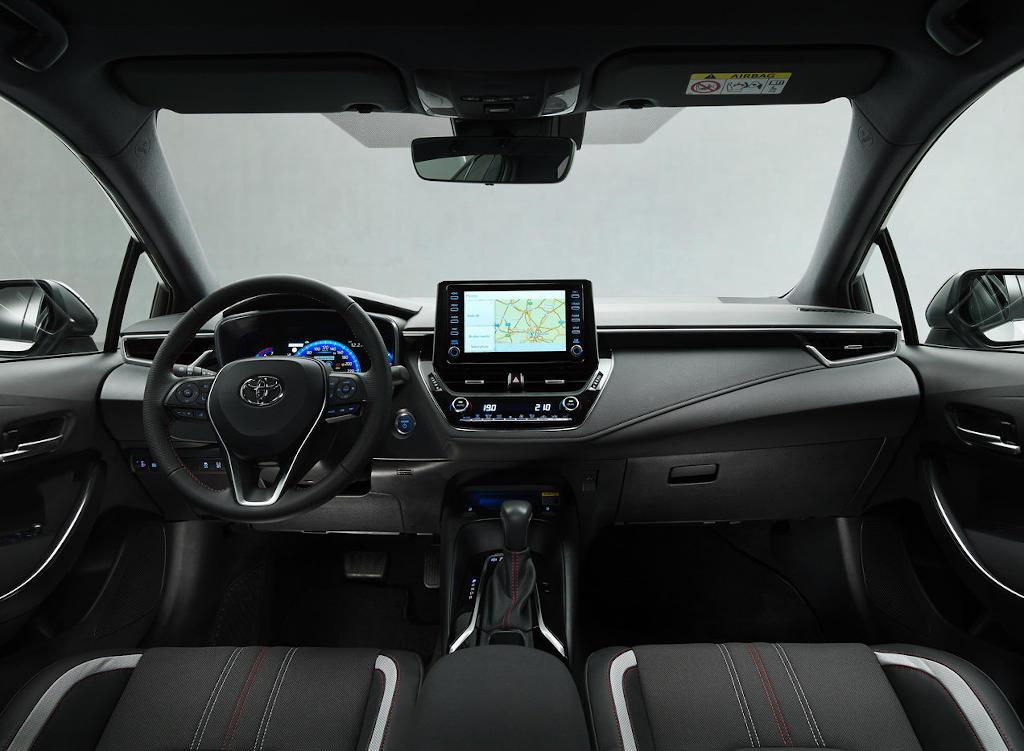 Toyota Corolla GR Sport 2021 салон