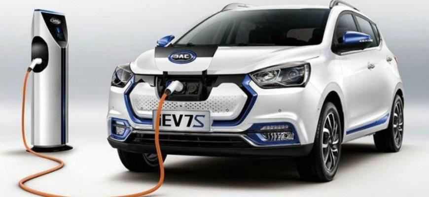 электромобиль JAC iEV7S в России