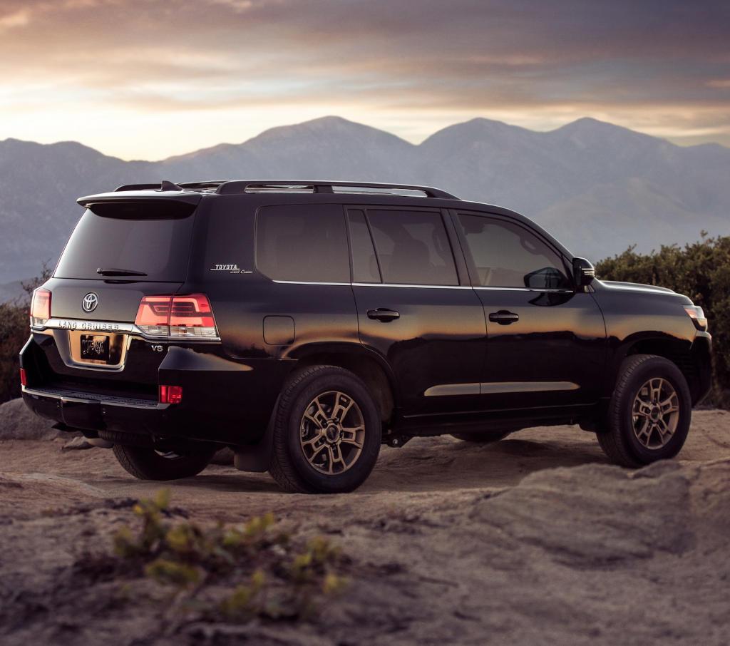 фото Toyota Land Cruiser 200 Heritage Edition 2021