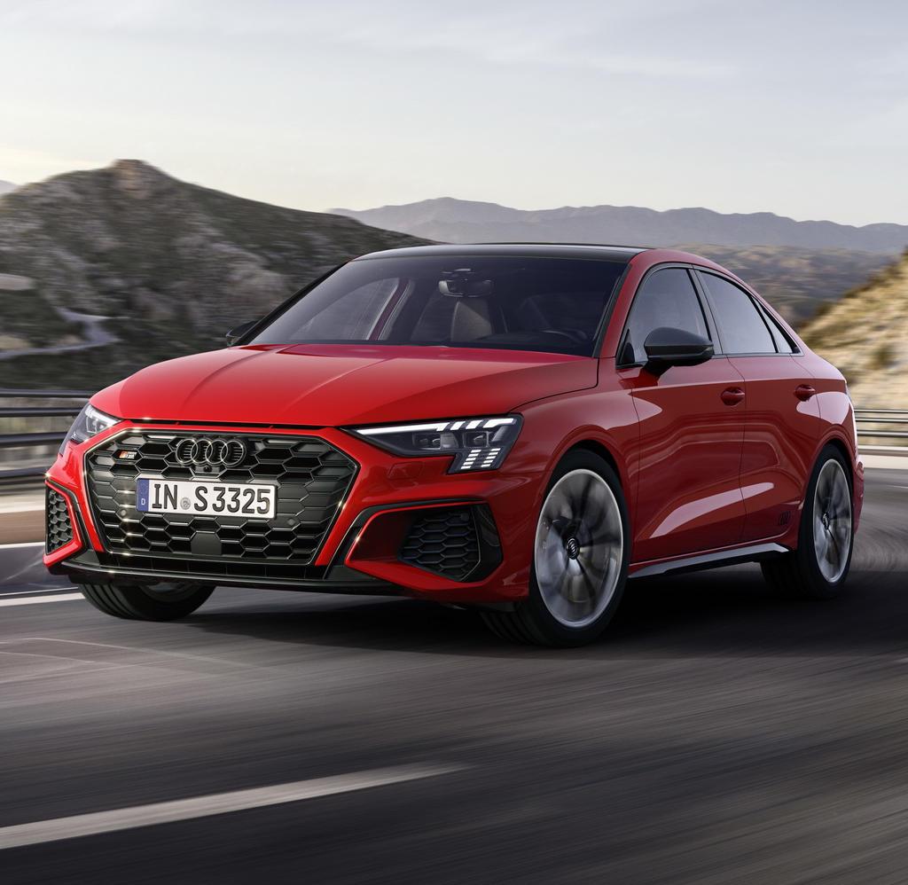 Новый седан Audi S3 2021