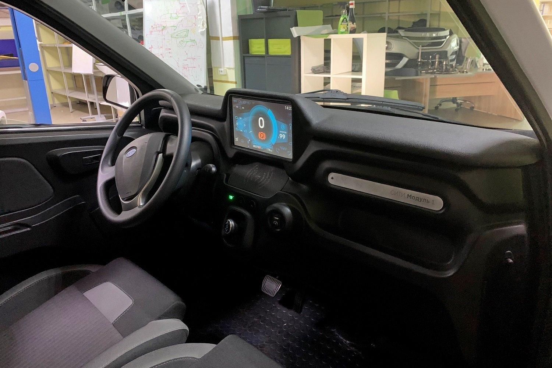 Первый российский электромобиль Zetta салон
