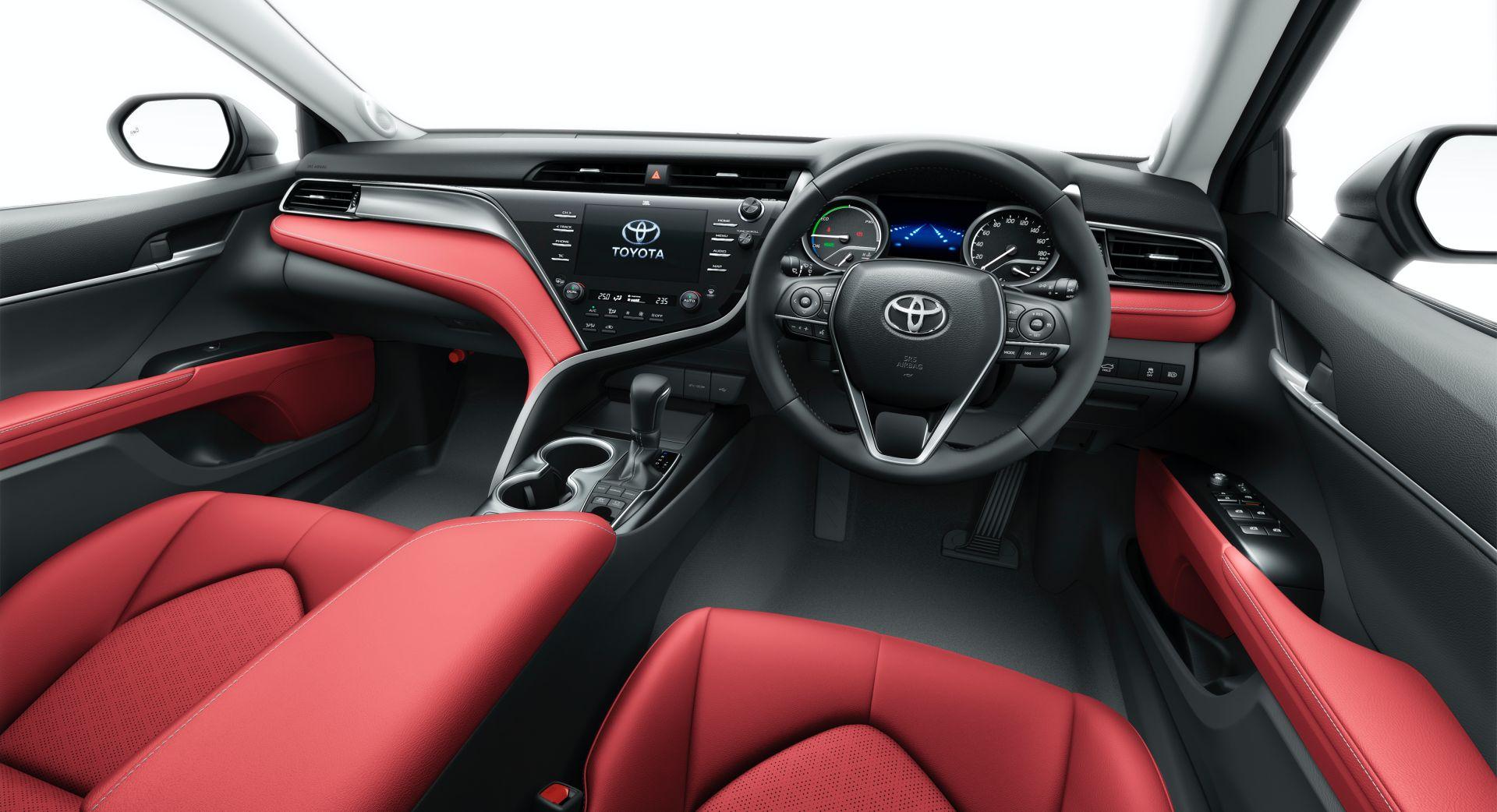 салон Toyota Camry WS Black Edition 2020—2021