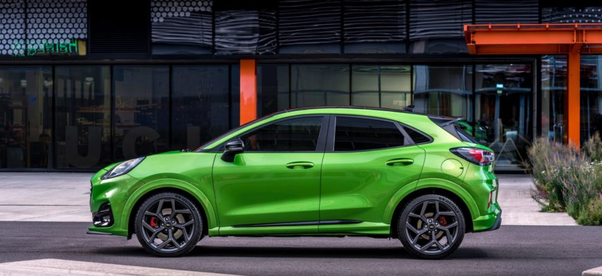 Ford Puma ST 2021 сбоку