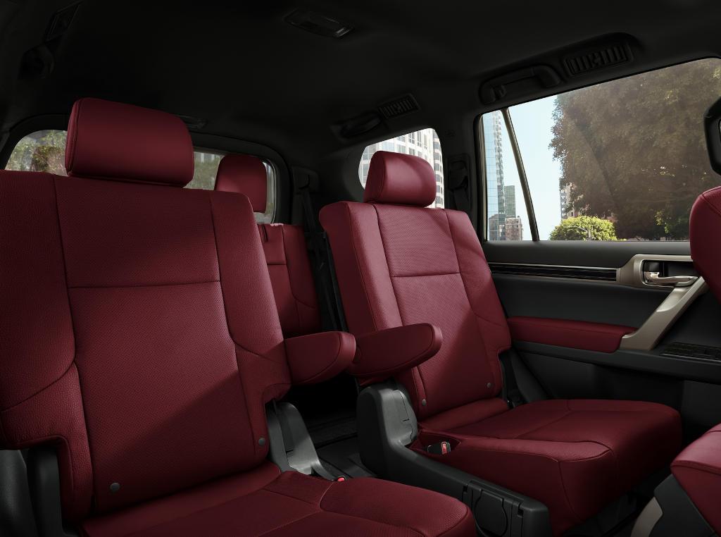 интерьер Lexus GX 2021 года