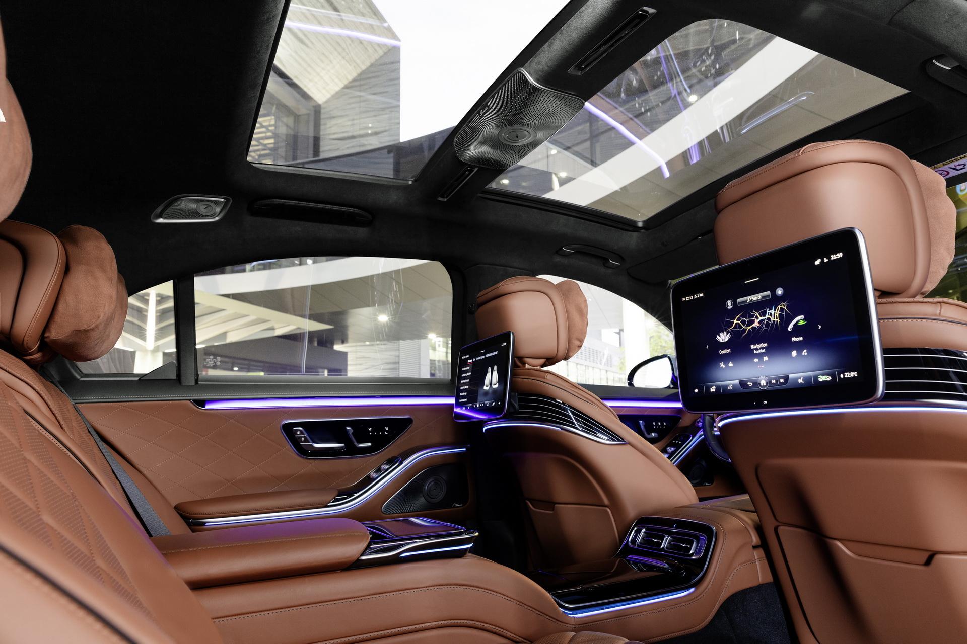 интерьер Mercedes S-Class W223 2021