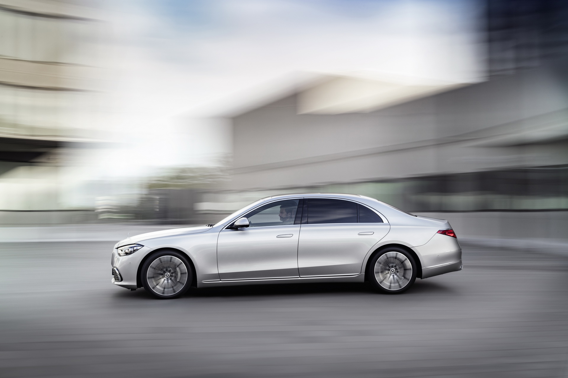 Mercedes S-Class W223 2021 сбоку