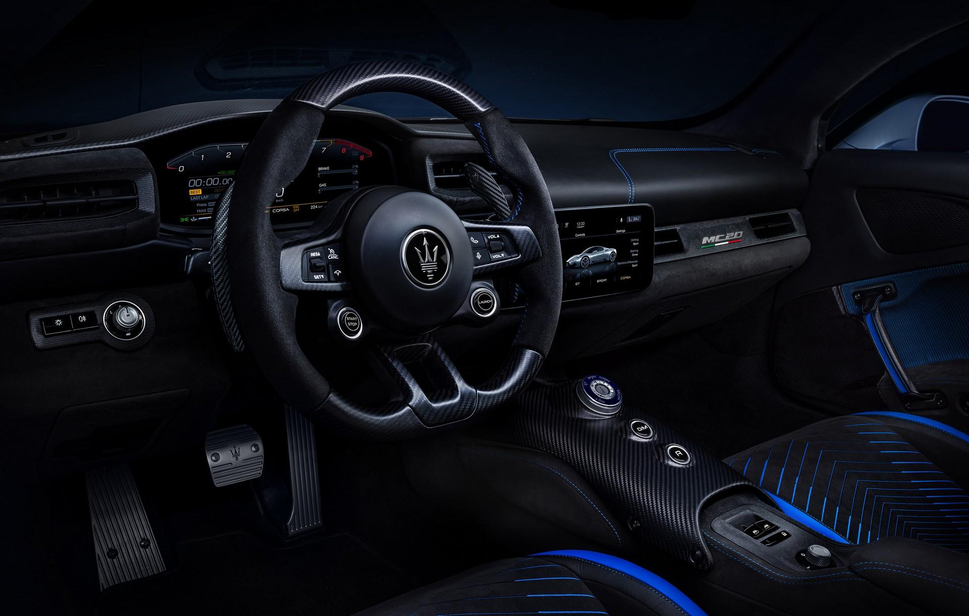 салон Maserati MC20 2021 фото