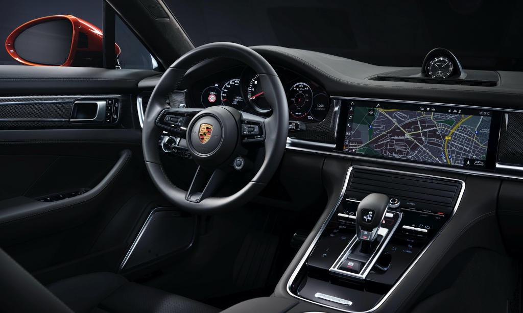 салон Porsche Panamera 2021 года