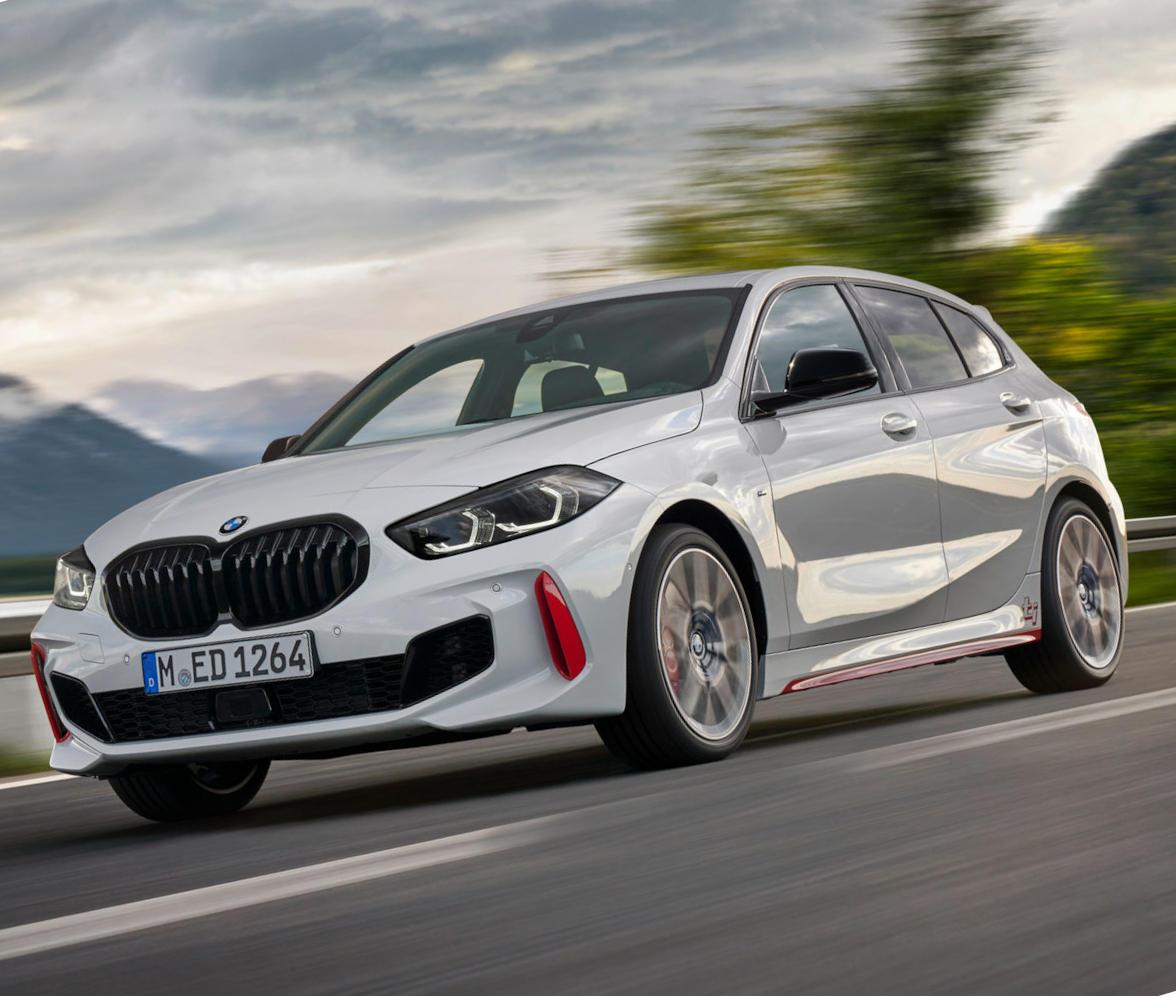 фото BMW 128ti 2021 года