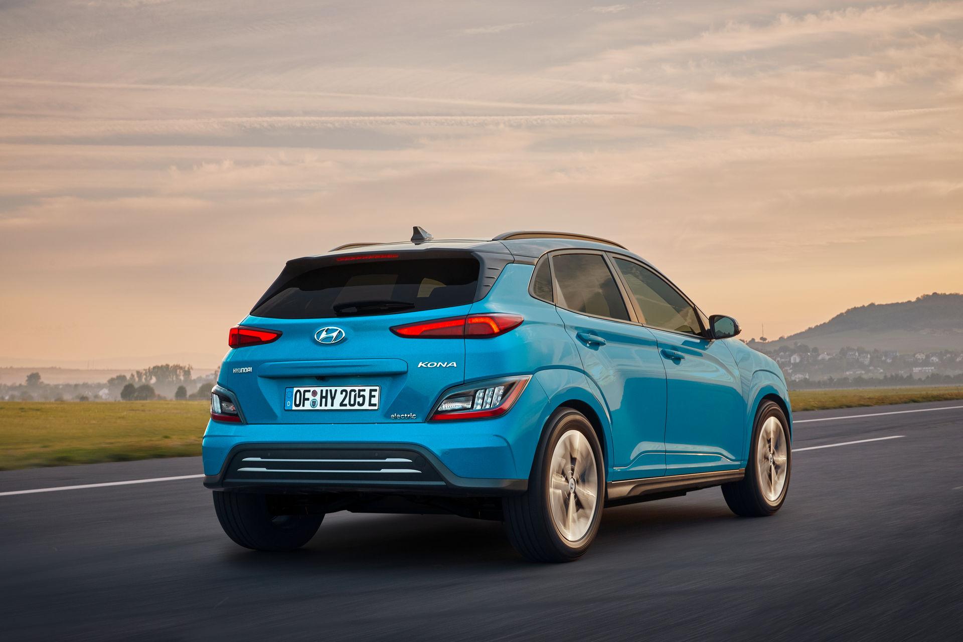 электромобиль Hyundai Kona Electric 2021 задние фонари