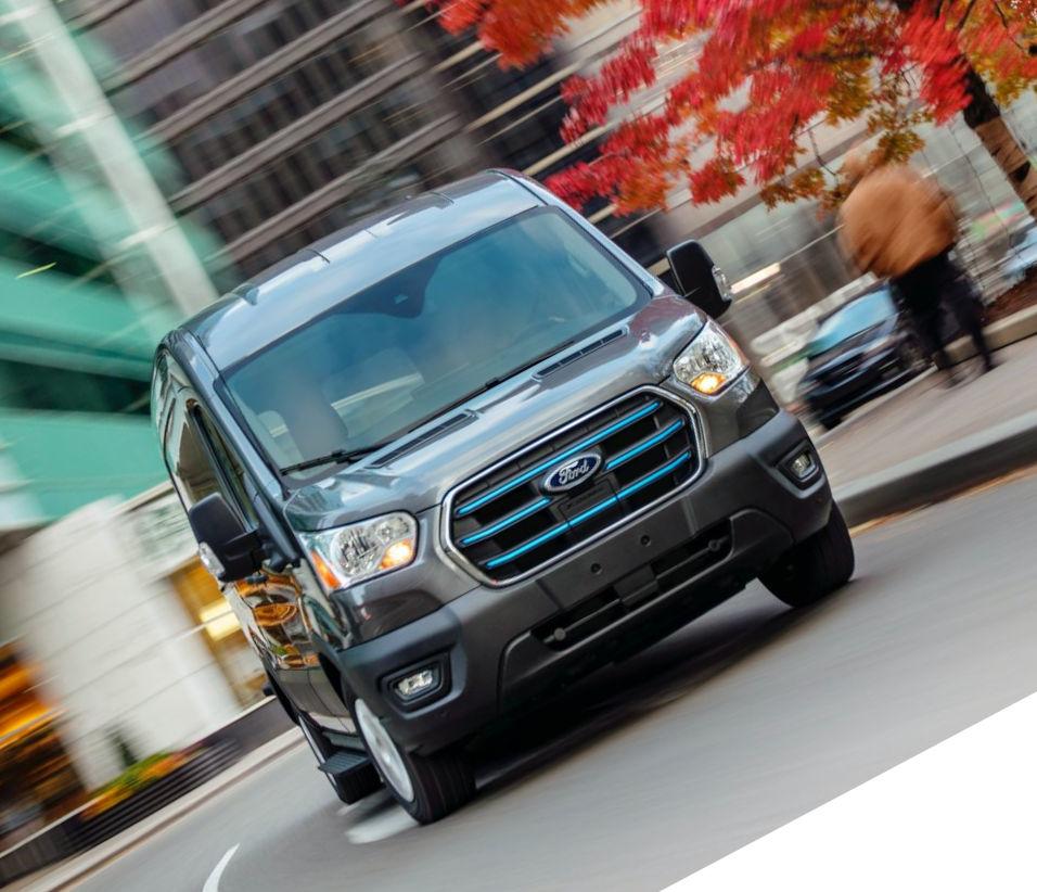 фото Ford E-Transit 2022