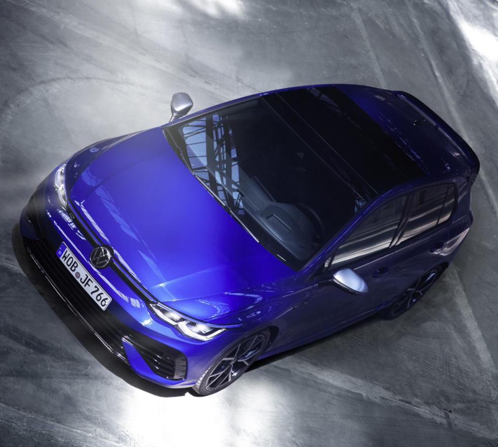 фото Volkswagen Golf R 2021-2022
