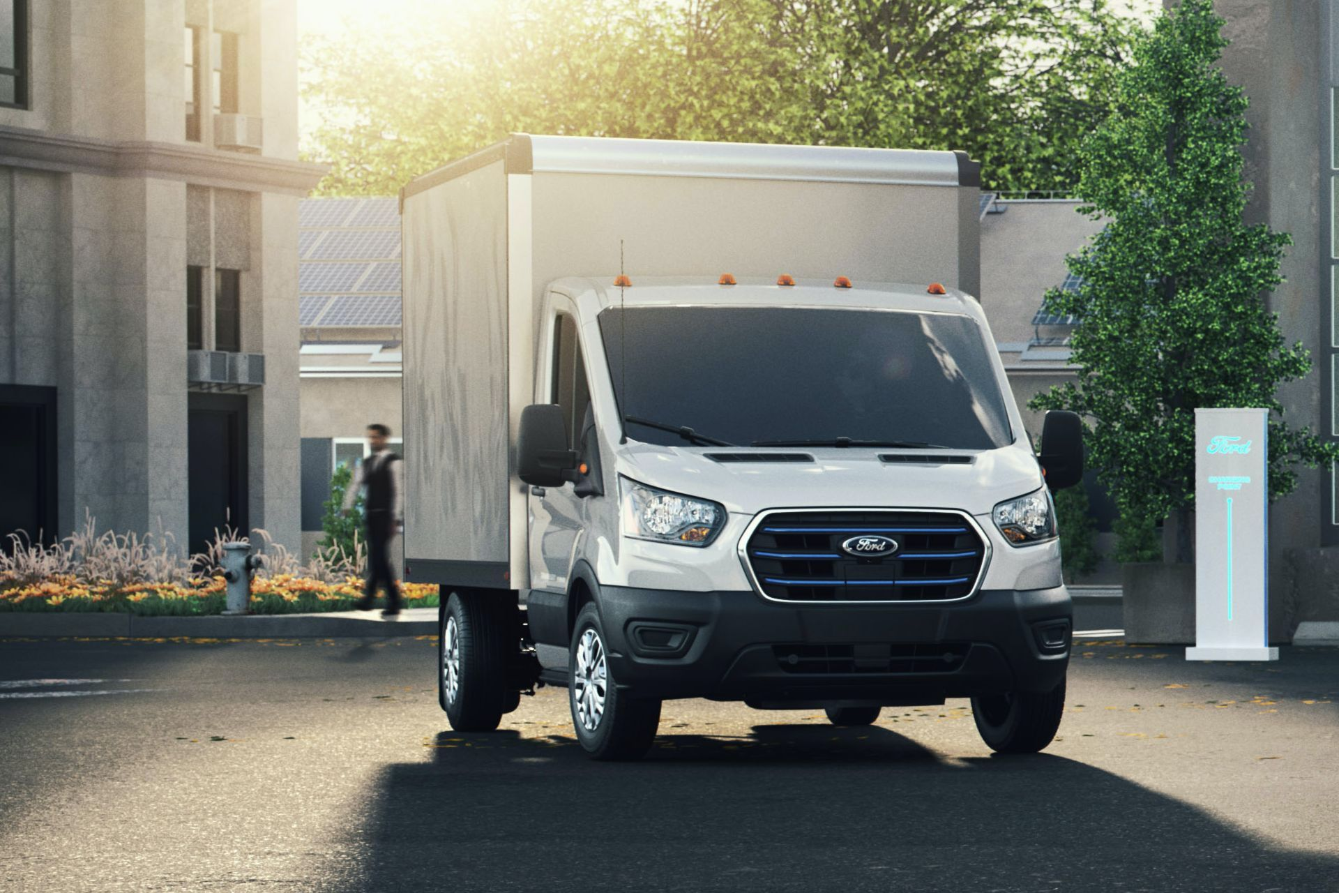 грузовик Ford E-Transit 2022