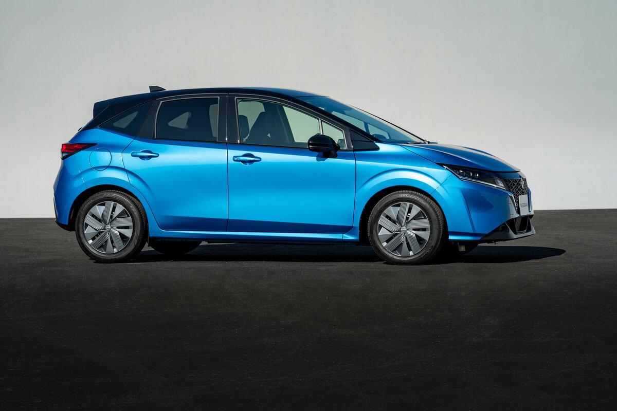 Nissan Note 2021 сбоку
