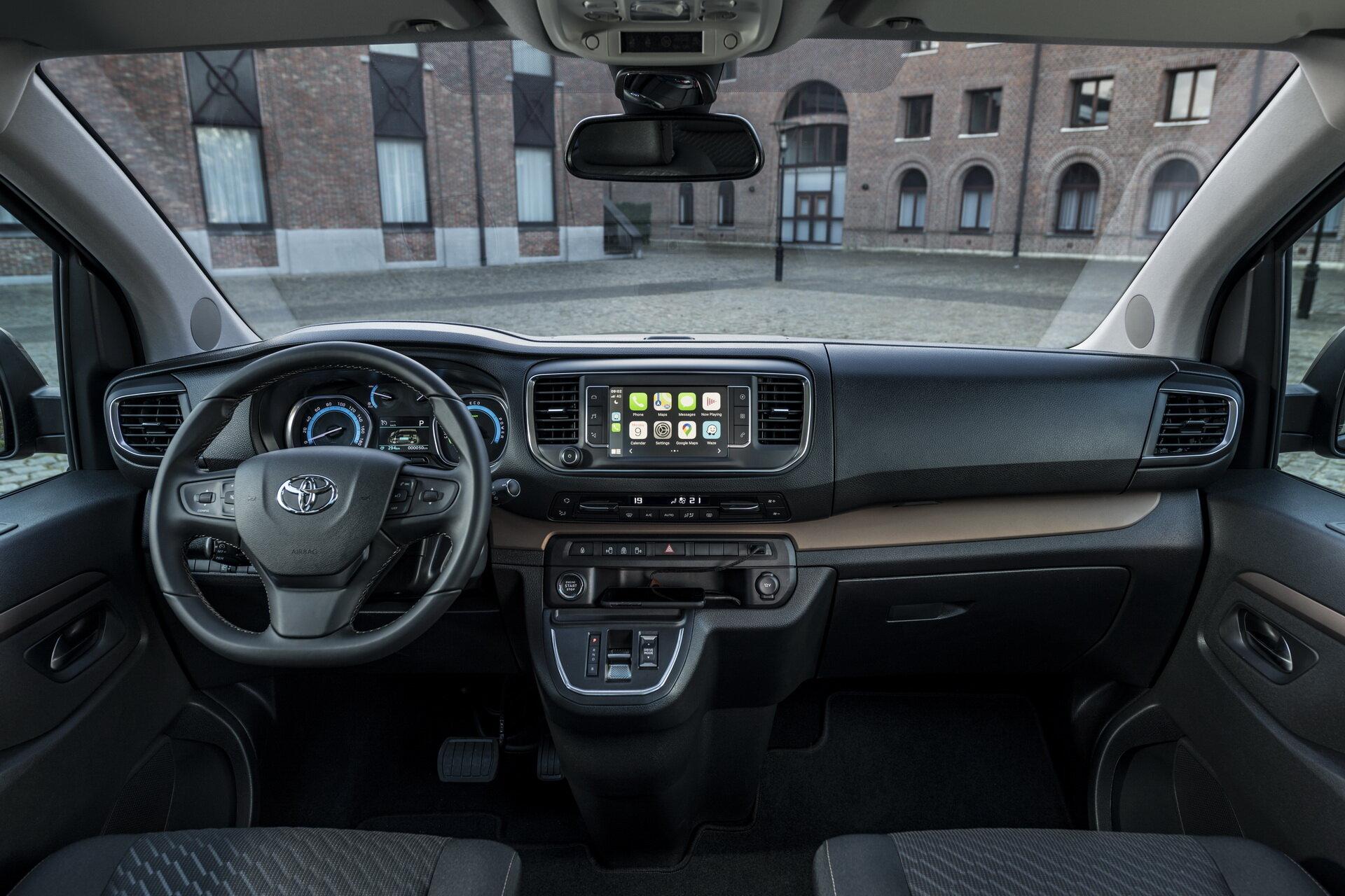 Toyota ProAce Verso Electric 2021 интерьер