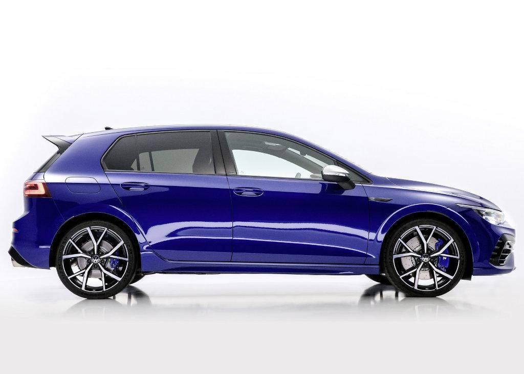 Volkswagen Golf R 2021-2022 сбоку