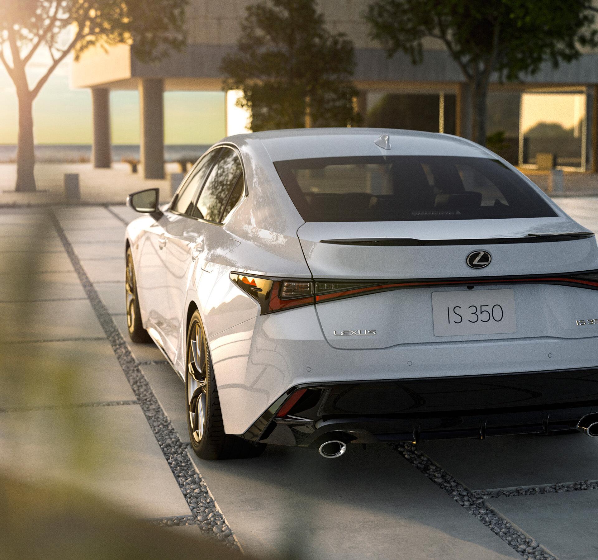 задние фонари Lexus IS 350 2021