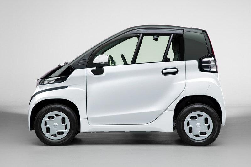 электрический Toyota C+ Pod сбоку