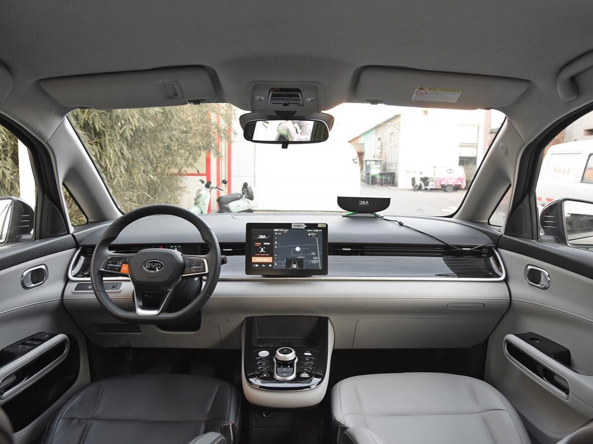 салон BYD D1 - лучший автомобиль для такси