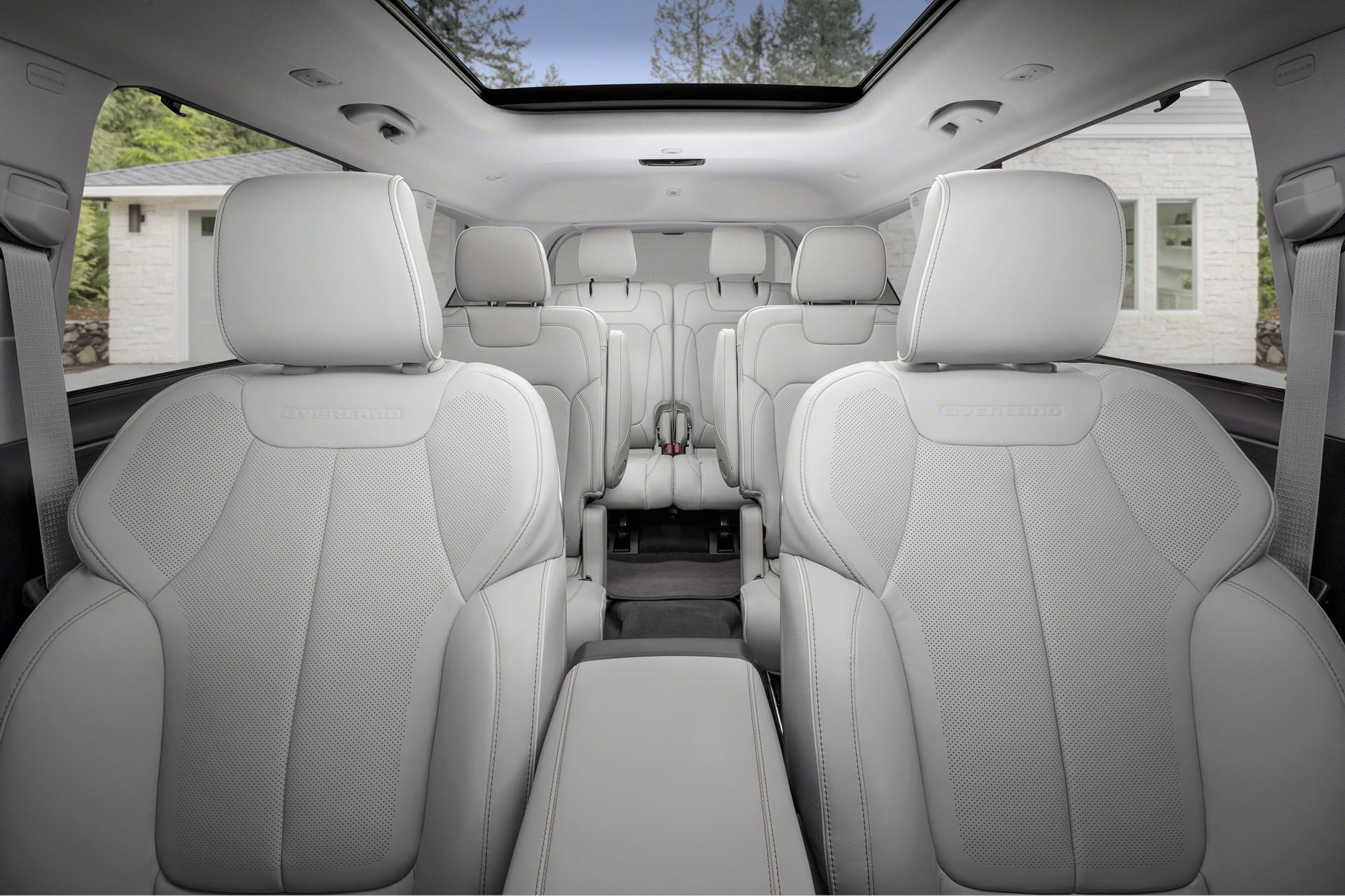интерьер Jeep Grand Cherokee L 2021