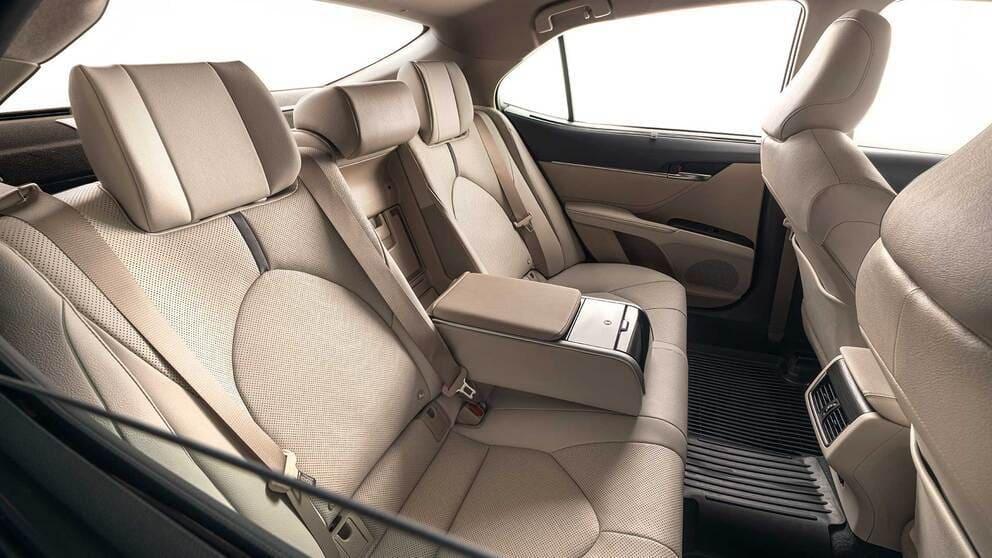 интерьер Toyota Camry XV70 2021-2022