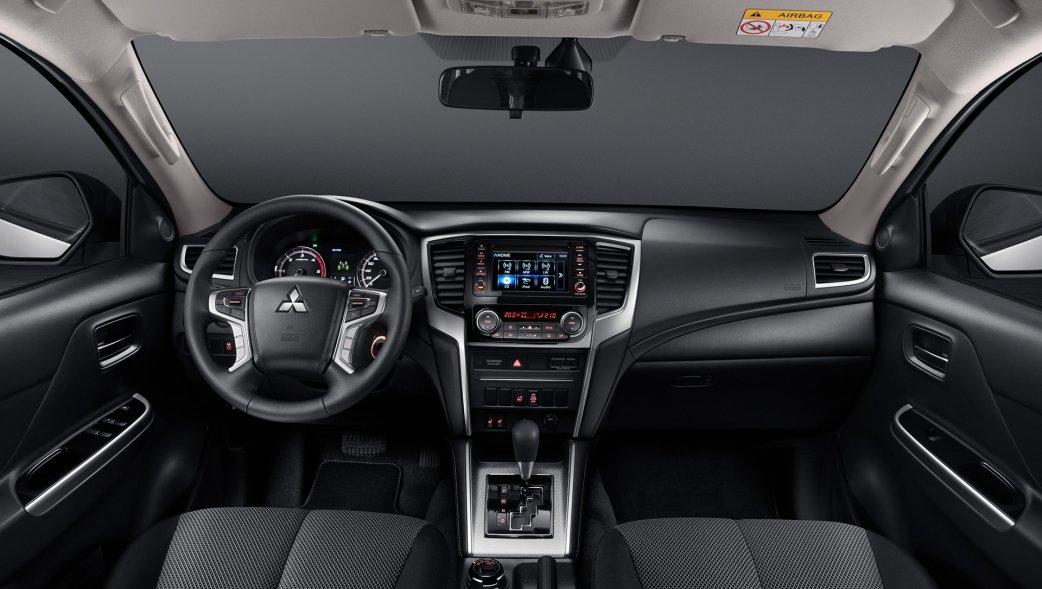 салон Mitsubishi L200 2021