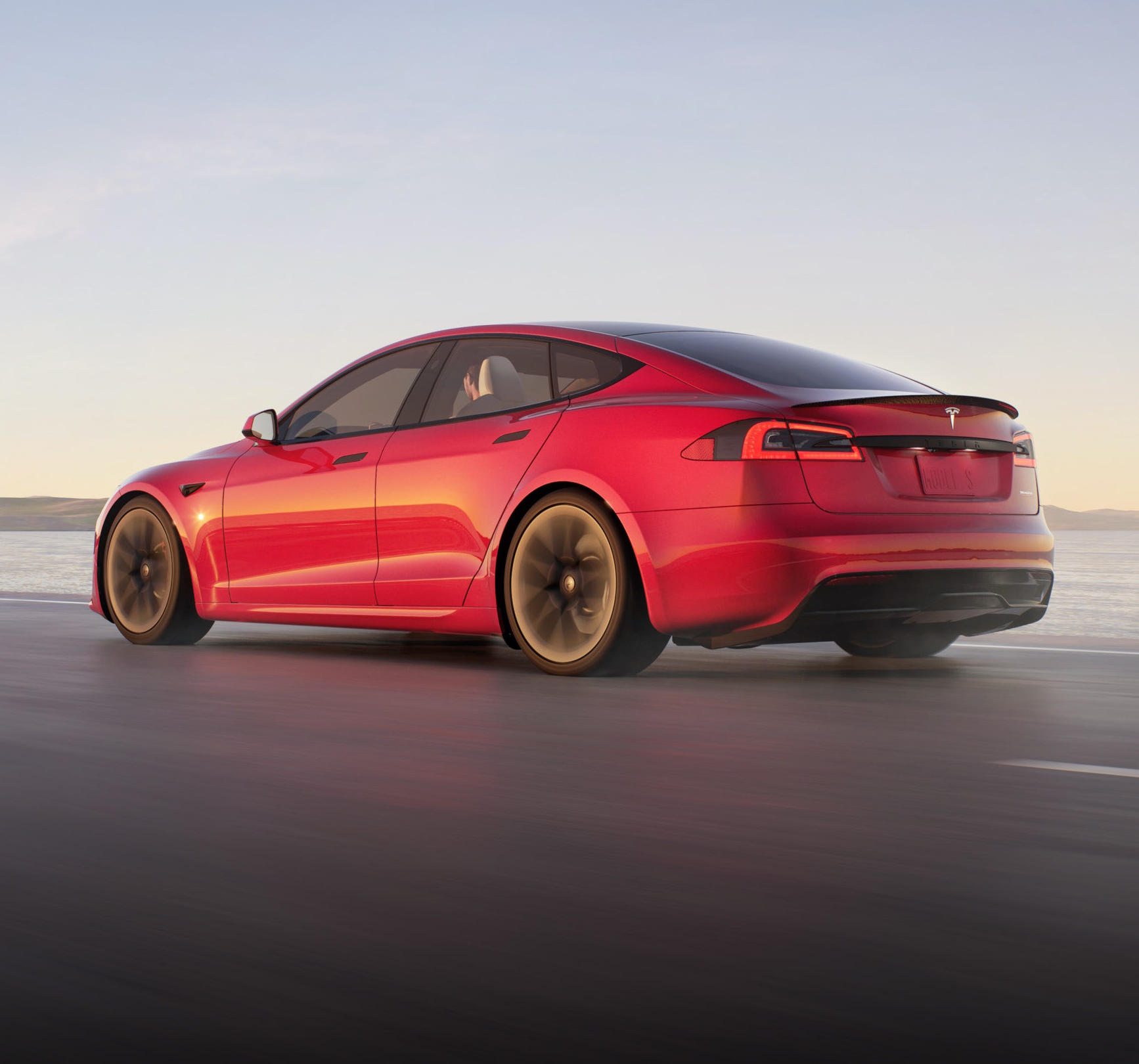 задняя часть Tesla Model S 2021 - 2022