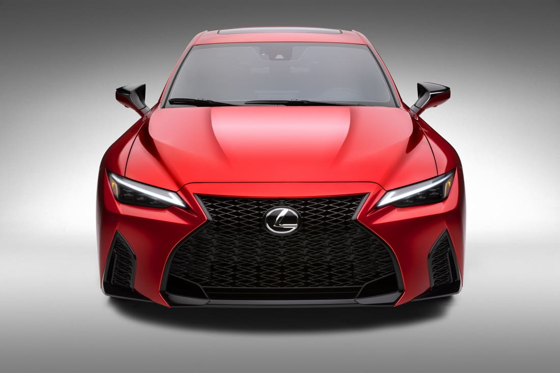 фары, решетка, бампер Lexus IS 500 F Sport Performance 2022