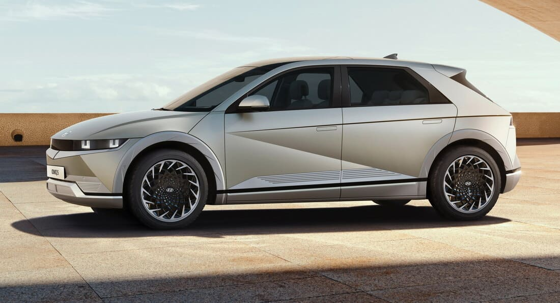 Hyundai Ioniq 5 2022 фото сбоку