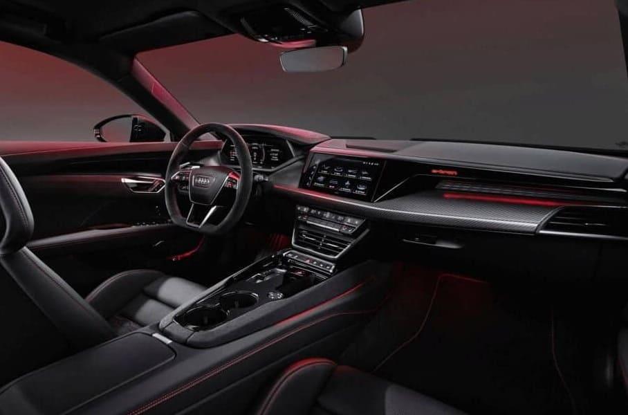 салон Audi E-Tron GT 2022 фото
