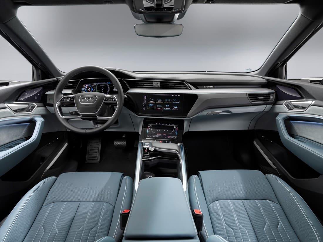 салон Audi e-tron Sportback 2021